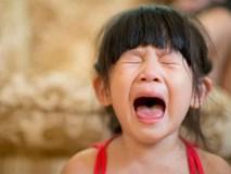 4 tuyệt chiêu nhanh - gọn - nhẹ giúp xử lý thói ăn vạ của trẻ, bố mẹ tuyệt đối đừng bỏ qua