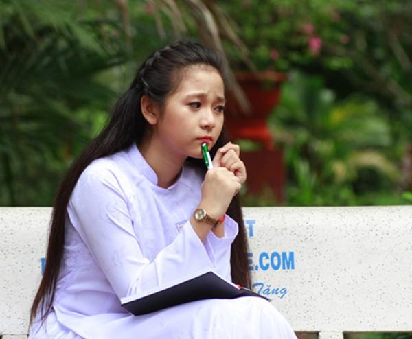 Sao Việt học cùng trường với Hoa hậu Tiểu Vy: Người trượt tốt nghiệp, kẻ điểm thấp lẹt đẹt-4