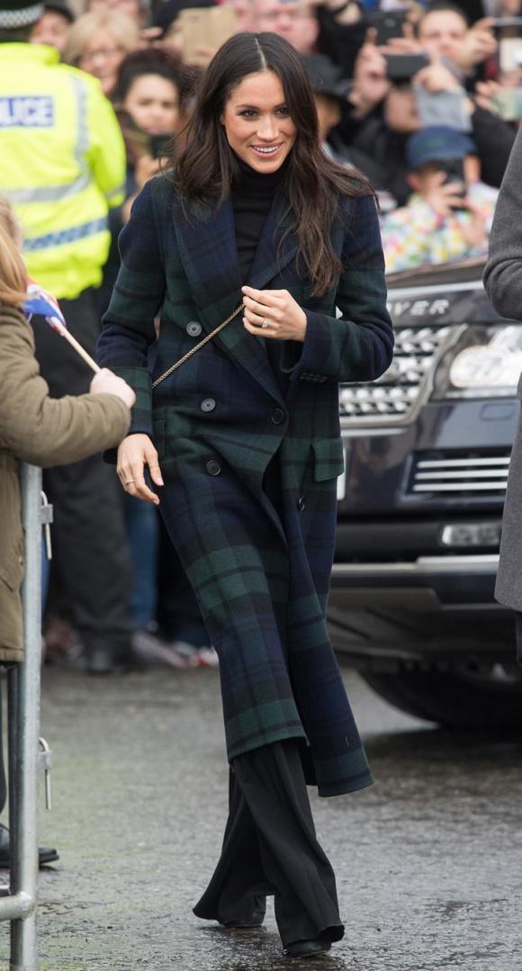 Sốc: Nữ hoàng Anh từng bắt Meghan Markle phải kiểm tra khả năng làm mẹ trước khi cưới Hoàng tử Harry-2