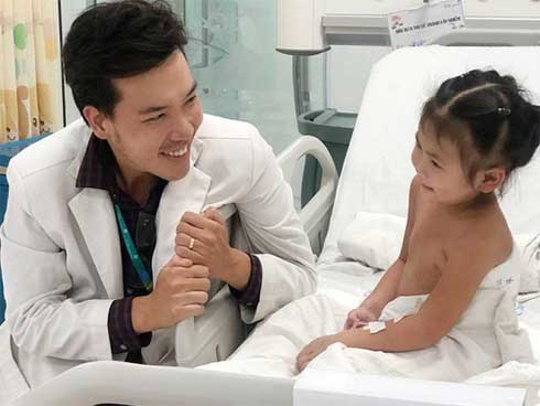 Vụ trẻ khóc đến co giật tím tái ở Hà Nội: Bác sĩ nhi chỉ rõ lý do trẻ khóc và cách dỗ-1
