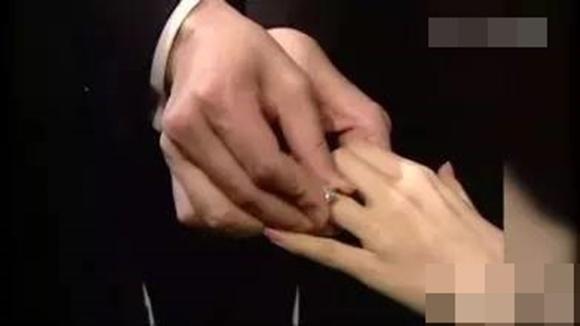 Hôn nhân địa ngục của siêu mẫu Đài Loan: Chồng vũ phu lại lăng nhăng, có con riêng với em gái kết nghĩa-10