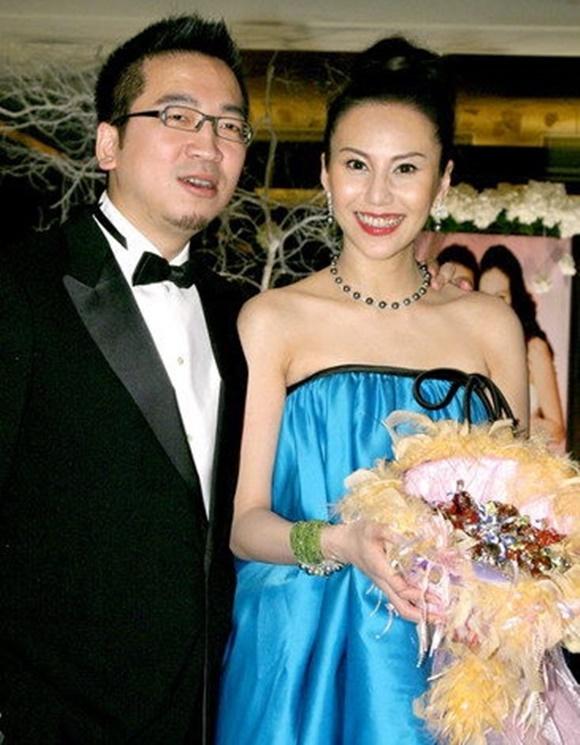 Hôn nhân địa ngục của siêu mẫu Đài Loan: Chồng vũ phu lại lăng nhăng, có con riêng với em gái kết nghĩa-11