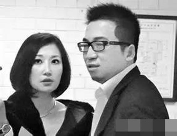 Hôn nhân địa ngục của siêu mẫu Đài Loan: Chồng vũ phu lại lăng nhăng, có con riêng với em gái kết nghĩa-14