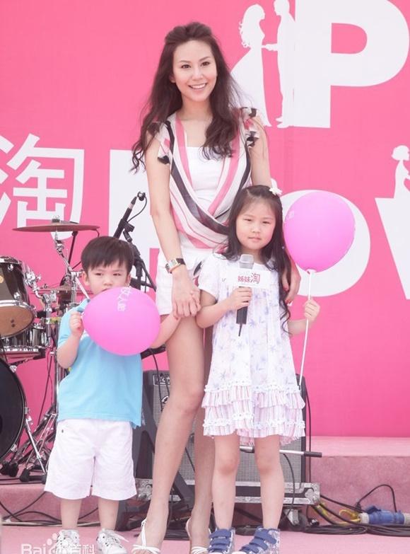 Hôn nhân địa ngục của siêu mẫu Đài Loan: Chồng vũ phu lại lăng nhăng, có con riêng với em gái kết nghĩa-17