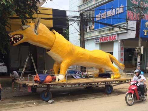 Xuất hiện linh vật Trung Thu khổng lồ lai giữa chó Chihuahua và chồn Scrat khiến cư dân mạng cười nghiêng ngả-1