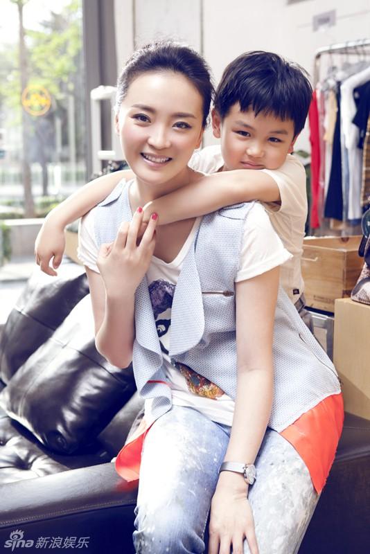 """Phía sau cuộc sống như bà hoàng của Tịnh Nhi"""" Vương Diễm: Bị gia đình chồng đại gia xem thường, con trai ngỗ nghịch mắng trên sóng truyền hình-12"""