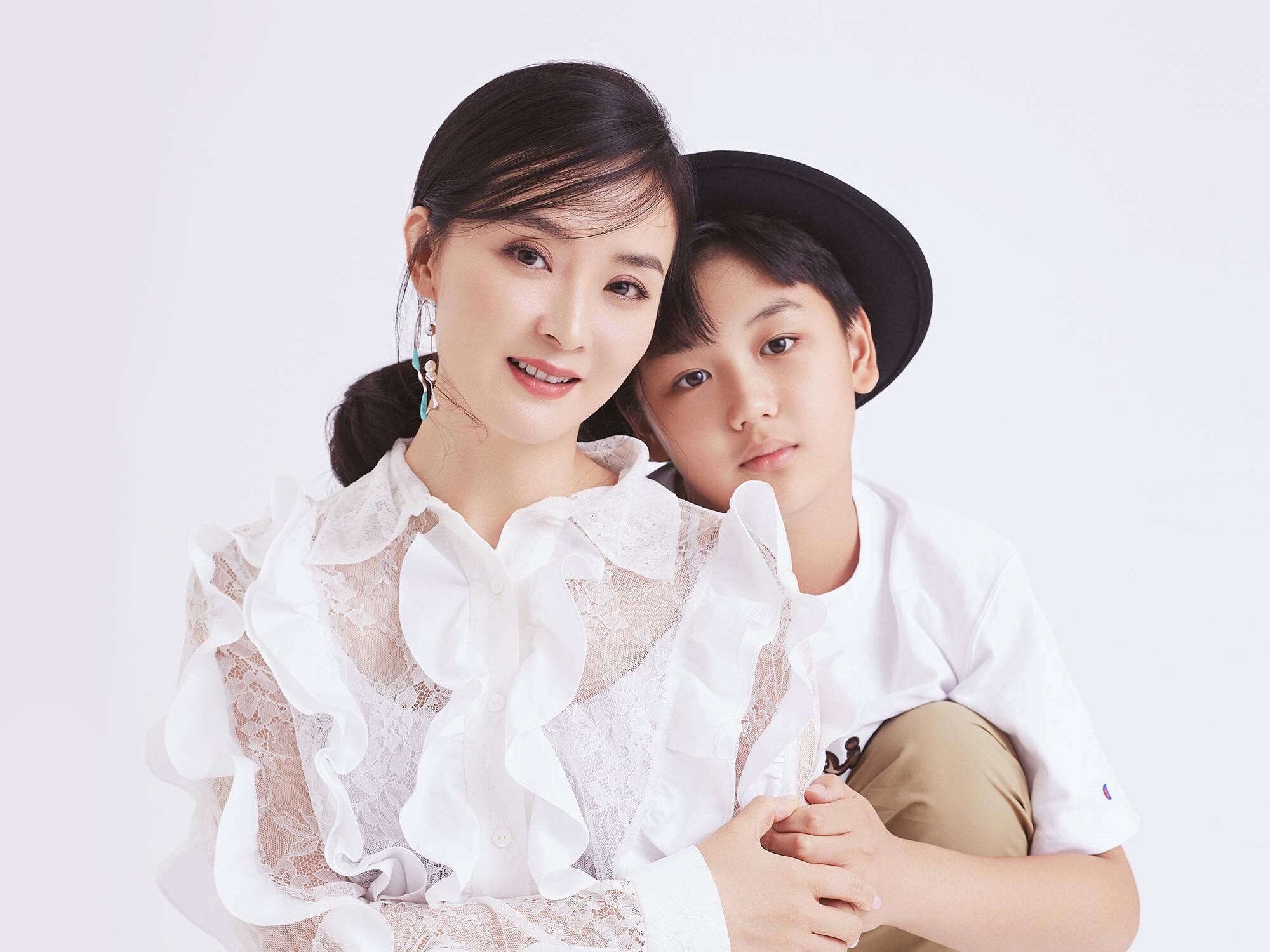 """Phía sau cuộc sống như bà hoàng của Tịnh Nhi"""" Vương Diễm: Bị gia đình chồng đại gia xem thường, con trai ngỗ nghịch mắng trên sóng truyền hình-11"""