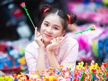 Nữ sinh tuổi 18 trở lại tuổi ấu thơ với đồ chơi Trung thu truyền thống