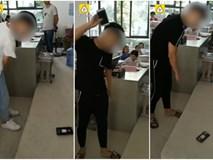 Phát hiện học sinh dùng điện thoại trong lớp, giáo viên không đánh mắng mà áp dụng hình phạt này còn