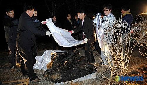 Khép lại sự nghiệp lẫy lừng, ngôi sao bóng chày Hàn Quốc trượt dài trong thất bại rồi trở thành sát nhân 1 đêm giết 4 mạng người-5