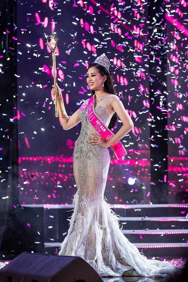 Vương miện Hoa hậu và câu chuyện về những chiếc váy Lọ lem phải trao trả-1