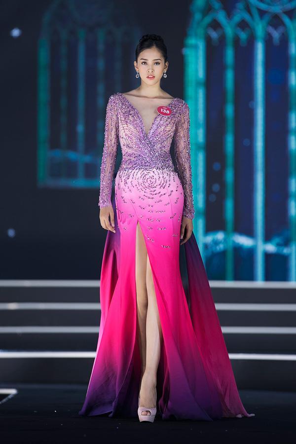 Vương miện Hoa hậu và câu chuyện về những chiếc váy Lọ lem phải trao trả-11