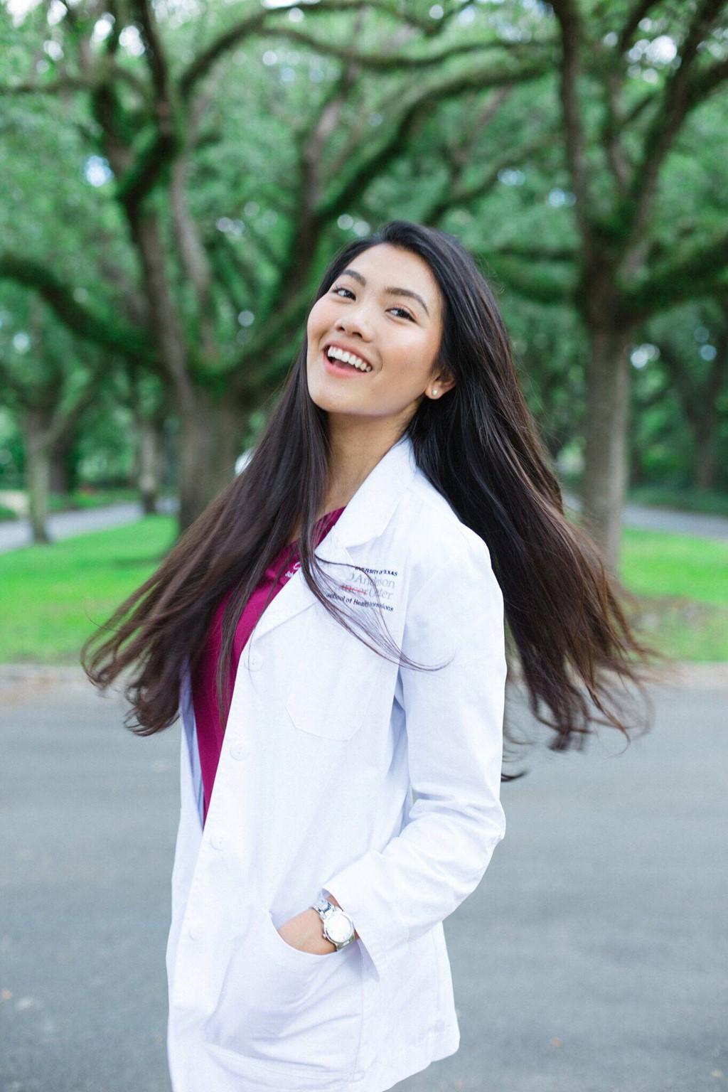 Tốt nghiệp ngành Y bằng Xuất sắc với GPA 4.0, hoa khôi du học sinh Việt được Viện ung thư hàng đầu thế giới giữ lại làm việc-10