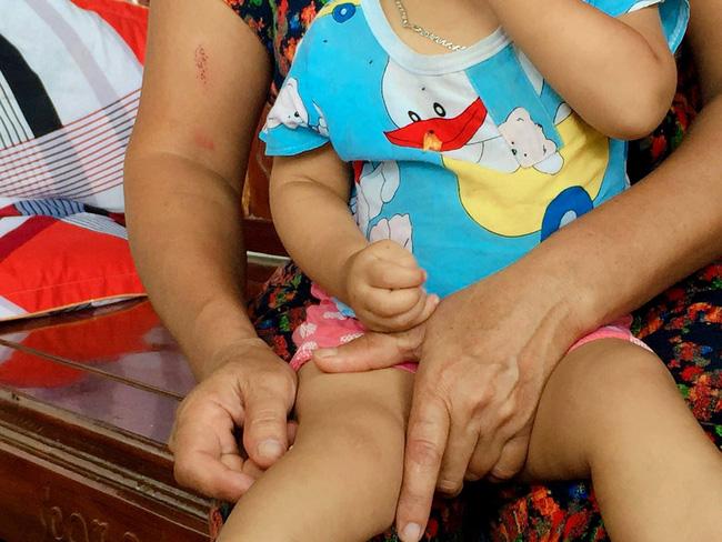 Vụ cả nhà nghi bị ngộ độc khi đi du lịch Đà Nẵng: Mấy đêm liền con út đều òa khóc đòi bú sữa mẹ, mỗi lần vậy tôi đều không cầm được nước mắt-4