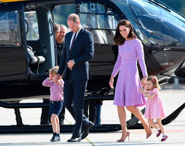Không chỉ cấm bà Camilla lại gần con mình, Công nương Kate còn cao tay khiến mẹ chồng nổi trận lôi đình vì một loạt hành động này-2