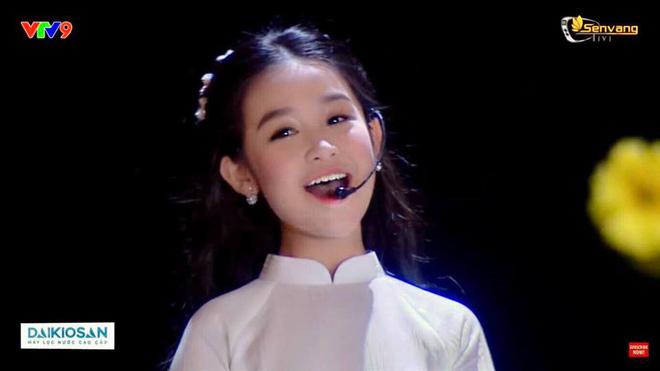 Cuộc sống sang chảnh của cô bé 10 tuổi gây sốt đêm chung kết Hoa hậu Việt Nam-1