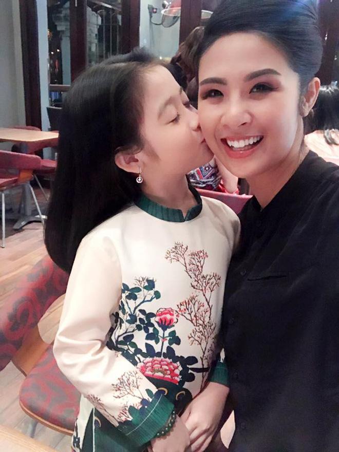 Cuộc sống sang chảnh của cô bé 10 tuổi gây sốt đêm chung kết Hoa hậu Việt Nam-6