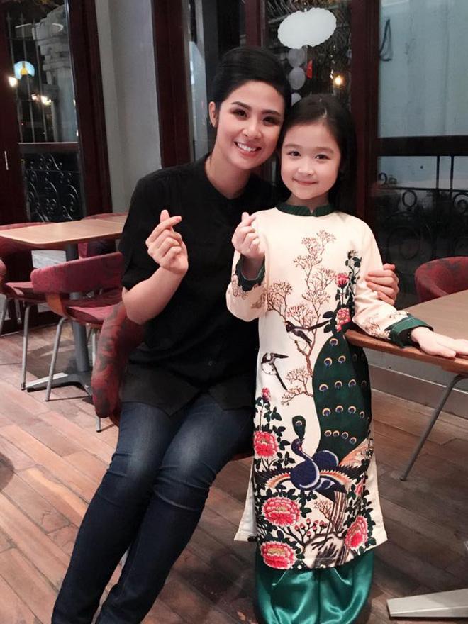 Cuộc sống sang chảnh của cô bé 10 tuổi gây sốt đêm chung kết Hoa hậu Việt Nam-7