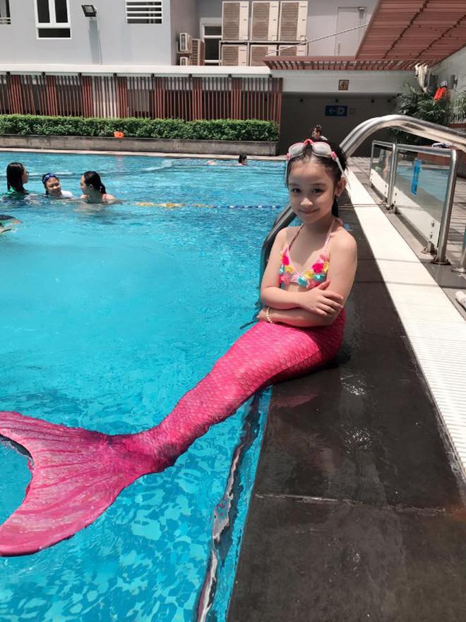Cuộc sống sang chảnh của cô bé 10 tuổi gây sốt đêm chung kết Hoa hậu Việt Nam-9