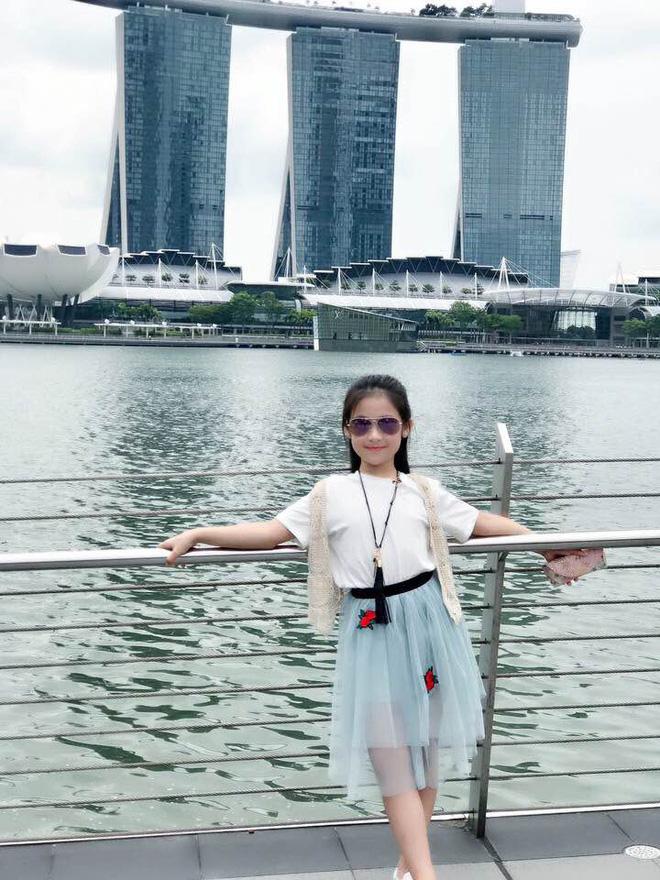 Cuộc sống sang chảnh của cô bé 10 tuổi gây sốt đêm chung kết Hoa hậu Việt Nam-12