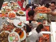 Kinh hoàng cảnh ăn buffet như 'ăn cướp' của du khách Trung Quốc