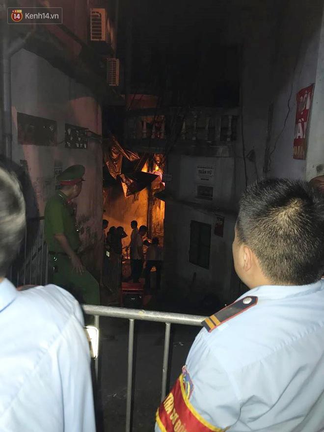 Phát hiện phần thi thể trong vụ cháy dãy trọ cạnh viện nhi Trung ương-5