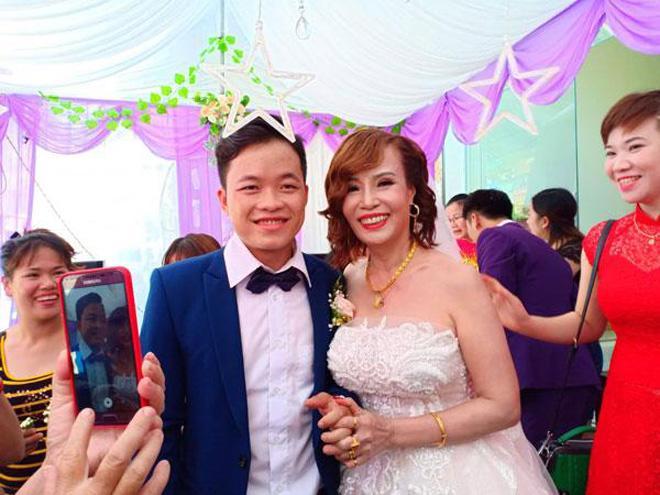 Cô dâu 62 tuổi lên tiếng khi có người làm loạn đám cưới, liên tục chửi bới 2 vợ chồng-2