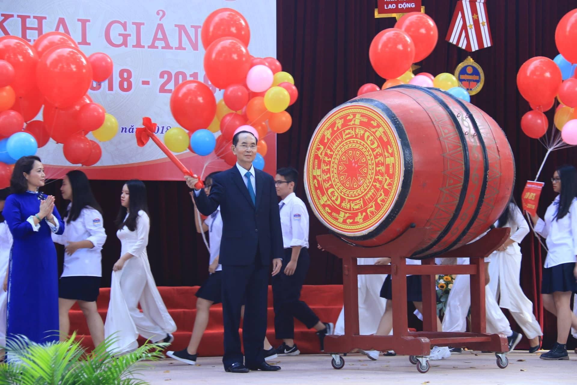 3 lần đánh trống trường của Chủ tịch nước Trần Đại Quang-5