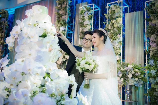 Những đám cưới được thắt chặt an ninh nhất Vbiz: bảo vệ phong tỏa mọi nơi, huy động cả ô đen để che chắn-12