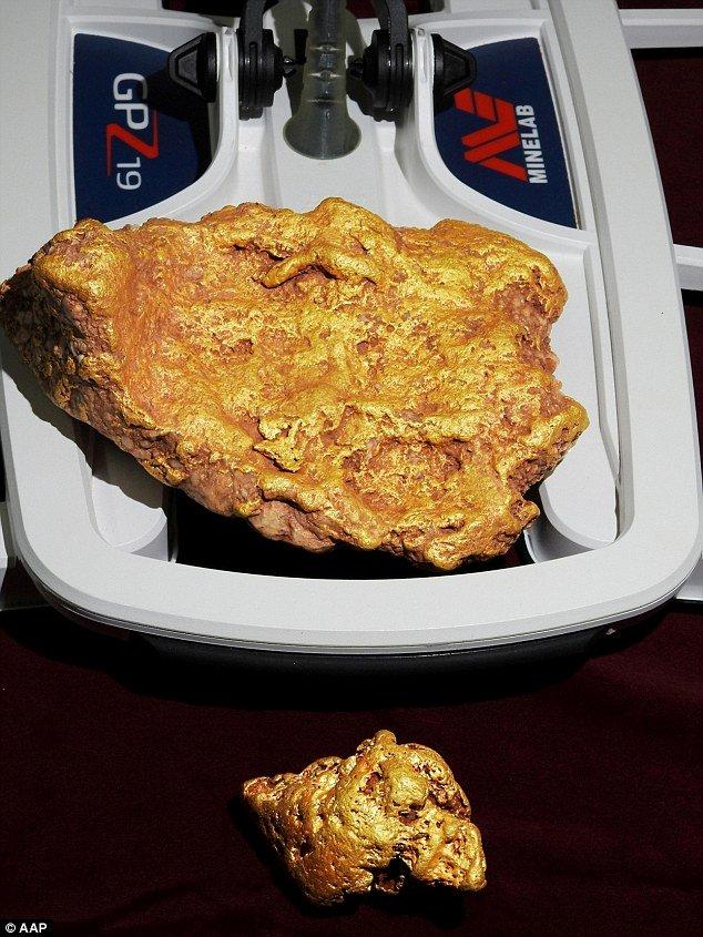 Đào được cục vàng nguyên khối 3kg, bán được 25 tỷ đồng-2