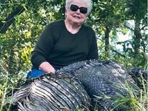 """Nghi cá sấu ăn thịt ngựa cưng, bà ngoại """"cool ngầu"""" quyết định ra tay tàn độc trả thù"""
