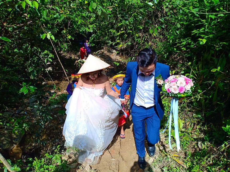 Được gia đình chồng chào đón nồng nhiệt, cô dâu 61 tuổi hạnh phúc: Tôi rất may mắn khi được làm dâu nhà họ Triệu-2