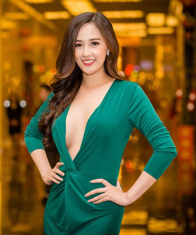Hoa hậu Việt Nam ngày mới đăng quang: Người bị ném đá về nhan sắc, kẻ được cả truyền thông quốc tế tán dương-4