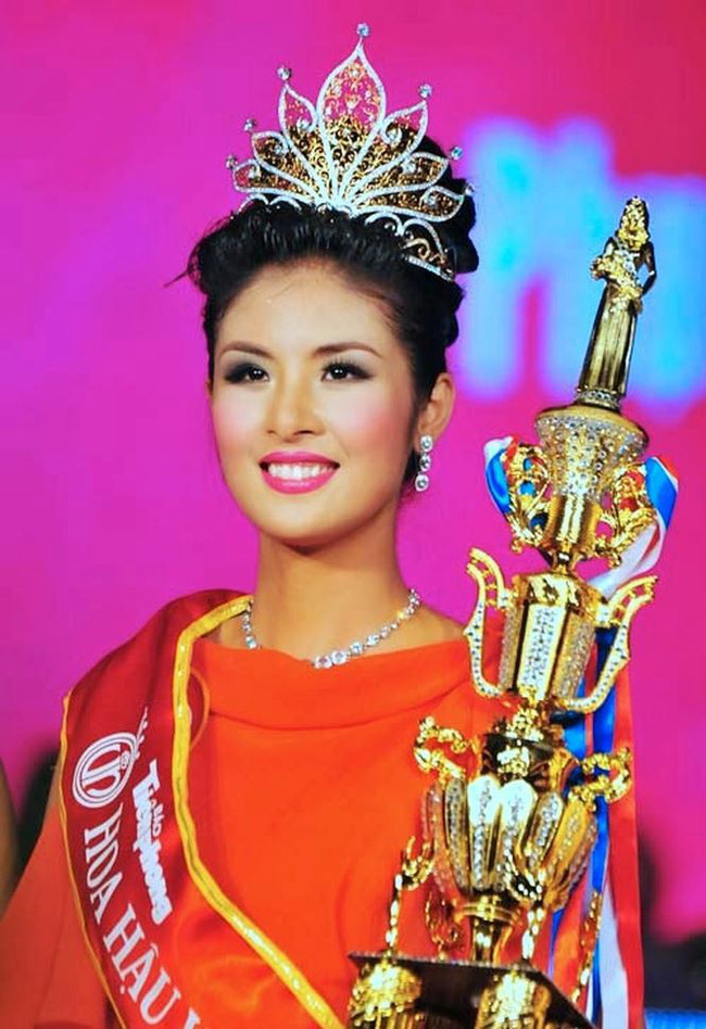 Hoa hậu Việt Nam ngày mới đăng quang: Người bị ném đá về nhan sắc, kẻ được cả truyền thông quốc tế tán dương-7