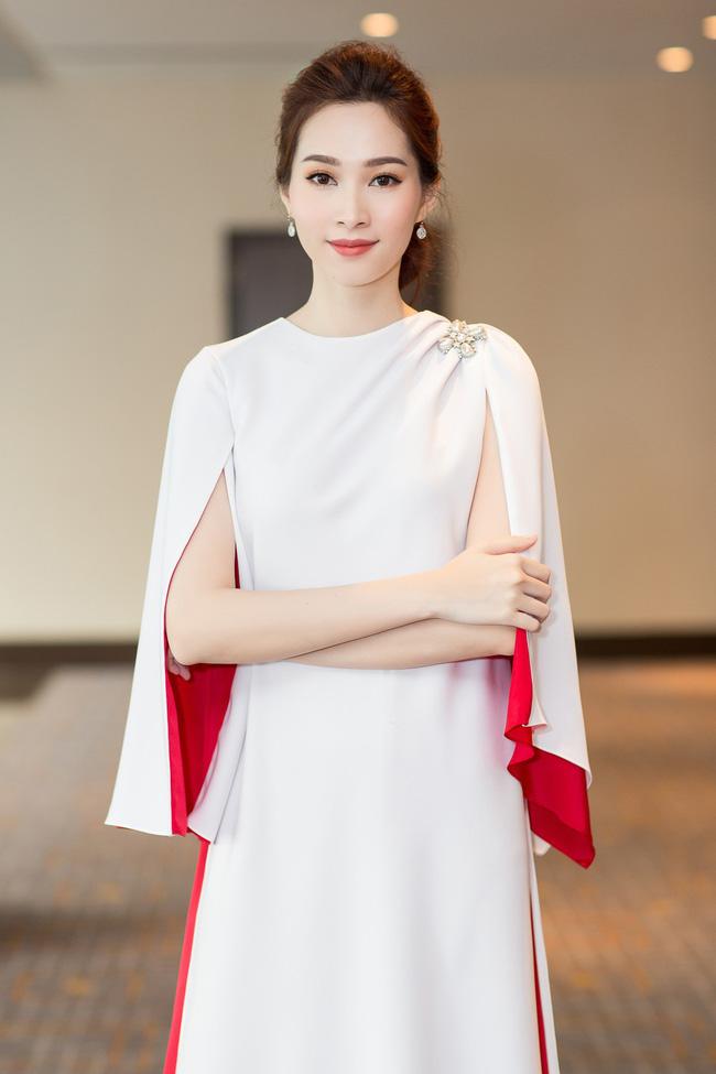 Hoa hậu Việt Nam ngày mới đăng quang: Người bị ném đá về nhan sắc, kẻ được cả truyền thông quốc tế tán dương-16