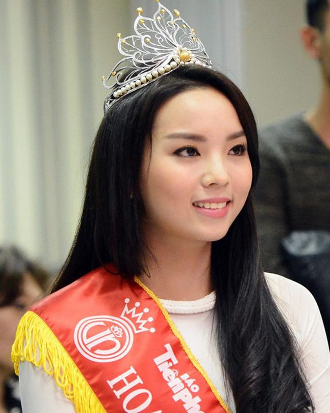 Hoa hậu Việt Nam ngày mới đăng quang: Người bị ném đá về nhan sắc, kẻ được cả truyền thông quốc tế tán dương-19