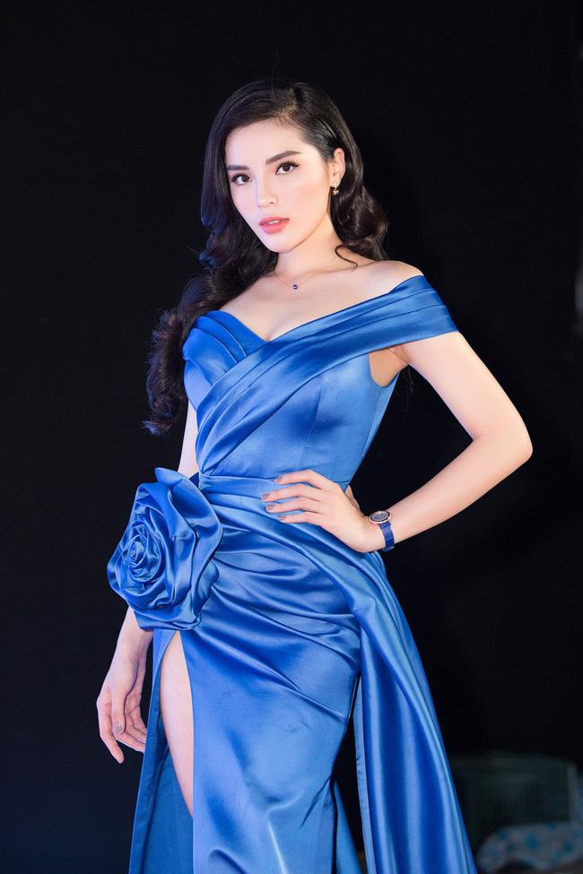 Hoa hậu Việt Nam ngày mới đăng quang: Người bị ném đá về nhan sắc, kẻ được cả truyền thông quốc tế tán dương-20