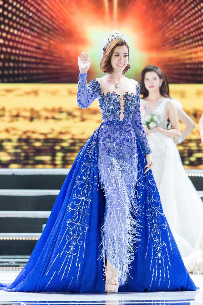 Hoa hậu Việt Nam ngày mới đăng quang: Người bị ném đá về nhan sắc, kẻ được cả truyền thông quốc tế tán dương-28