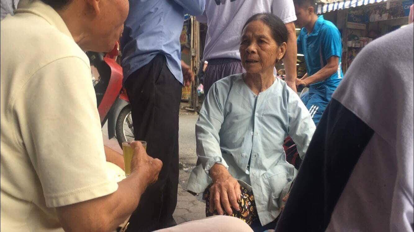 Vụ phát hiện thi thể sau đám cháy dãy trọ gần viện Nhi TW: Người mẹ nhận ra con gái qua chiếc vòng đeo cổ-2