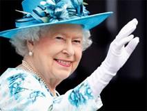 Ngoài gu diện đồ sặc sỡ, Nữ hoàng Anh còn có 5 bí mật làm nên phong cách thời trang không thể trộn lẫn