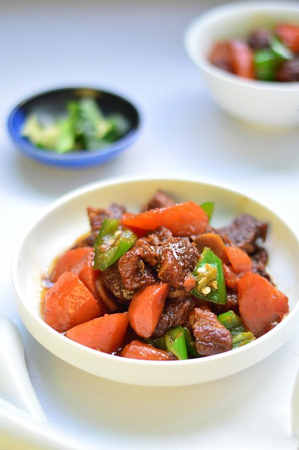 Bữa cơm ngày thu thêm ngon với bò rim mặn đậm đà mềm thơm-1