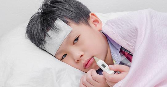 """Cậu bé 2 tuổi liên tục chảy nước dãi, cảnh báo bệnh nguy hiểm có thể lây qua nụ hôn""""-2"""