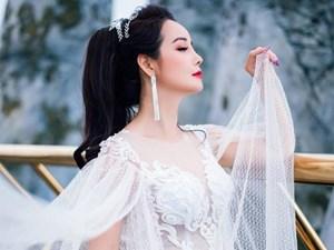 Mai Thu Huyền hóa Hằng Nga đẹp yêu kiều trên cầu Vàng