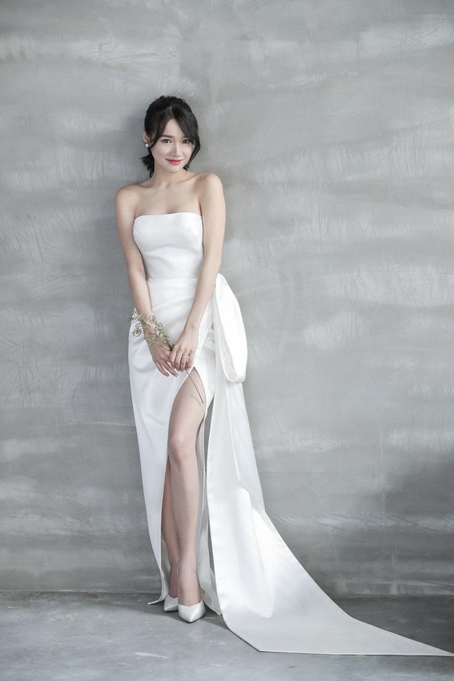 Hình ảnh Nhã Phương đẹp nao lòng trong mẫu váy cưới tiếp theo vừa được hé lộ-7
