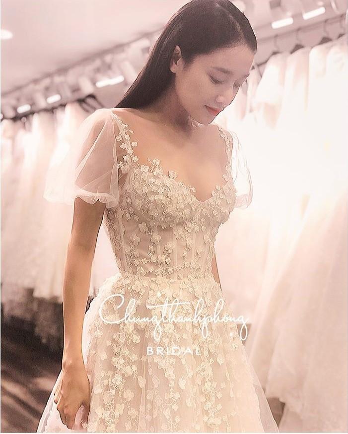 Hình ảnh Nhã Phương đẹp nao lòng trong mẫu váy cưới tiếp theo vừa được hé lộ-8