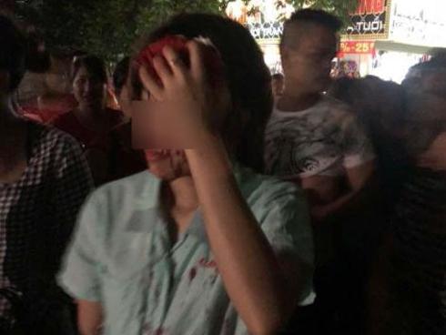 Chồng mặc nhân tình đánh vợ chảy máu đầu: Giải thích lạ-1