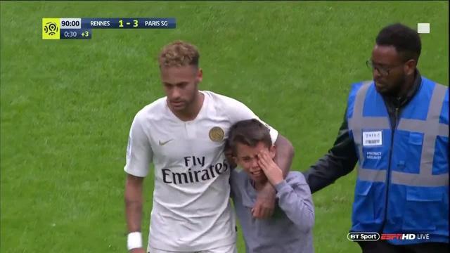 Hành động cực đẹp của Neymar trên sân cỏ-1