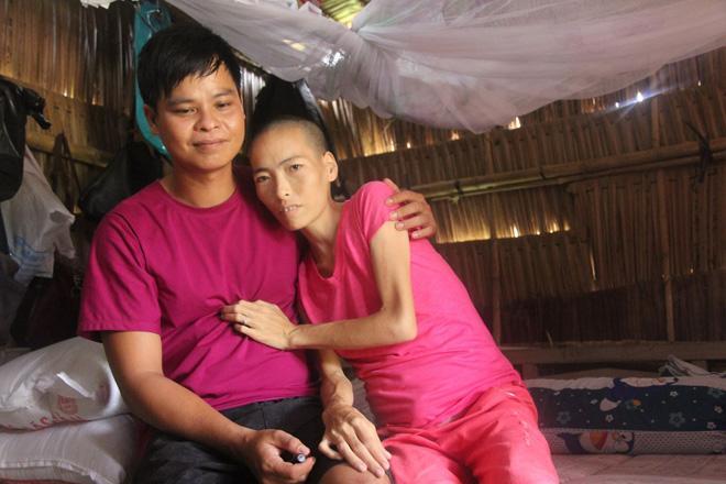 Mặc gia đình phản đối, chàng trai vẫn nguyện chăm sóc người đàn bà một đời chồng bị ung thư-3
