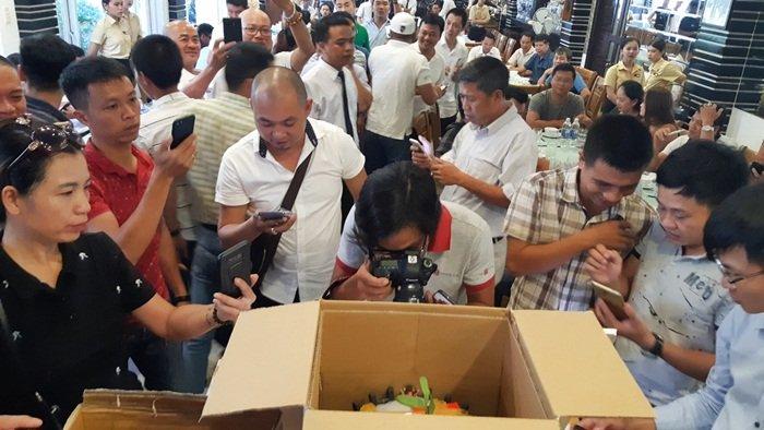 Chấn động: Đại gia Đà Nẵng bỏ 6,8 tỷ mua gốc lan đột biến 5 cánh-7