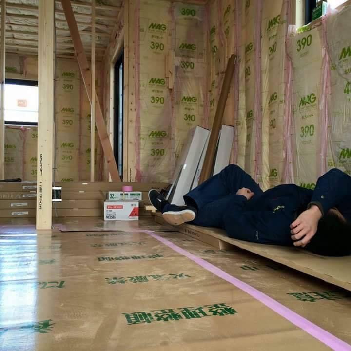 Chùm ảnh: Cư dân mạng Việt tại Nhật chia sẻ những giấc ngủ vội vàng giữa ca làm việc-10